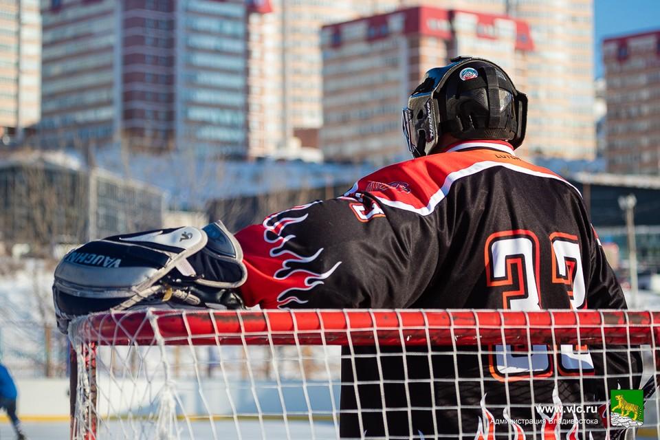 За звание лучшей команды 2021 года поборются «Бриз» и «Адмирал Кузнецов». Фото: администрация Владивостока