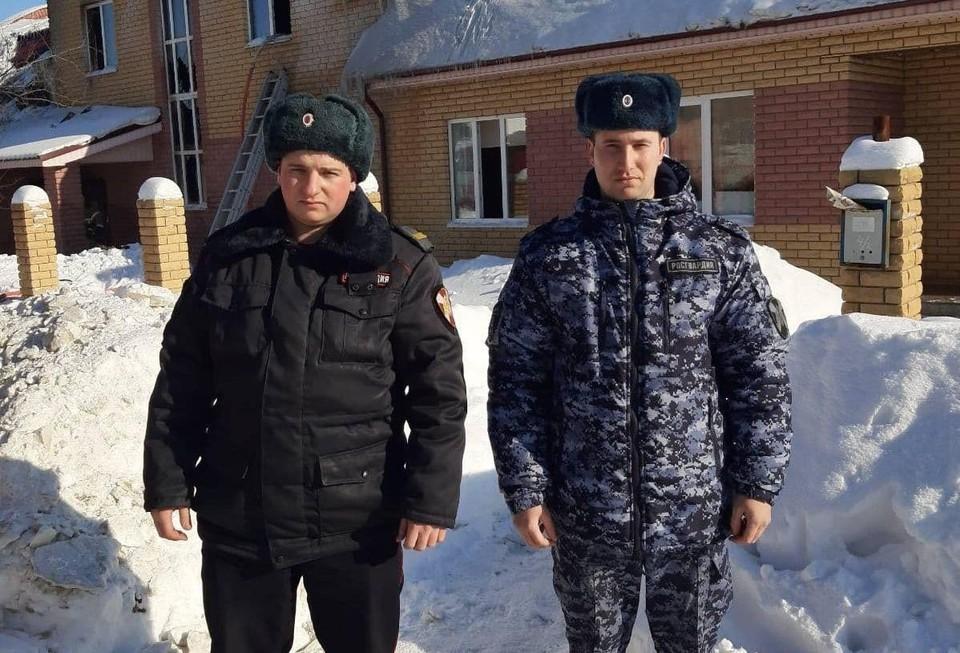 Росгвардейцы спасли из пожара двух детей в Нижегородской области. ФОТО: Управление Росгвардии Нижегородская область