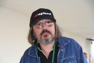 Бил воров, снимал котов: неизвестные факты о жизни режиссера Алексея Балабанова