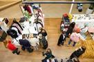 «Добрый мерч»: Как купить подарки со смыслом и поддержать благотворительные фонды