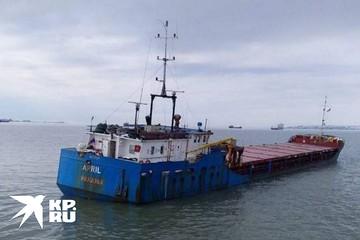 Почему иностранное судно, где отравились шесть моряков, отправляют в Турцию