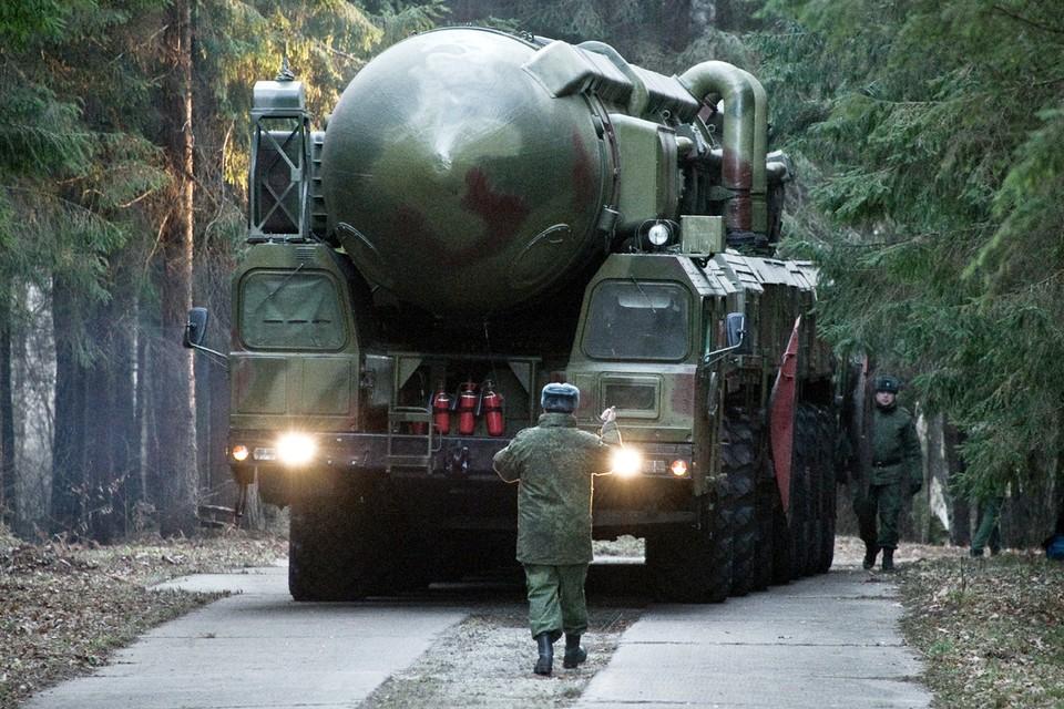 Российская военная доктрина допускает первое применение ядерного оружия, если на карту поставлено выживание государства и его вооруженных сил