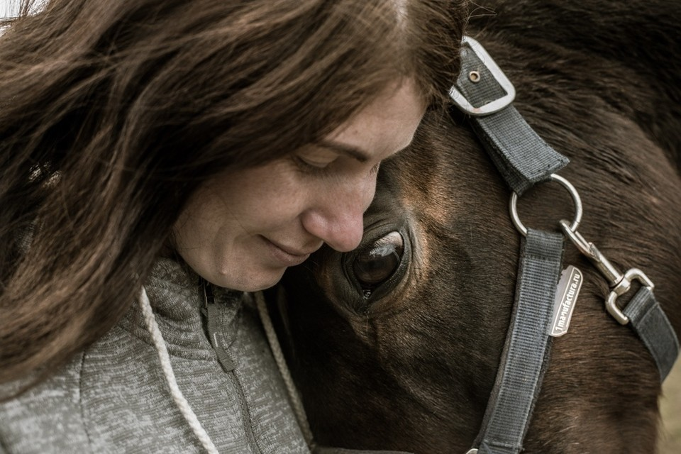 У Марии — две собаки, две кошки, аквариум, шиншилла и лошадь. Фото: София Меликова