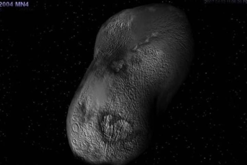 Астероид Апофис подбирается к нам всё ближе и ближе