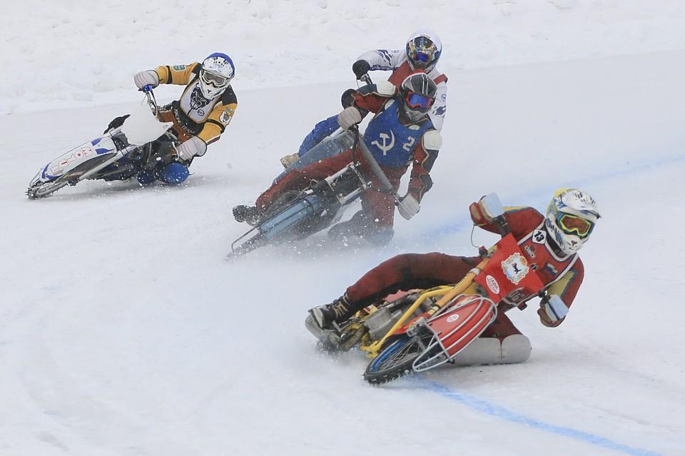 В Барнауле прошли соревнования по спидвею.