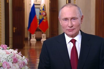 Владимир Путин: 8 Марта – день, когда торжествуют любовь, восхищение и благодарность