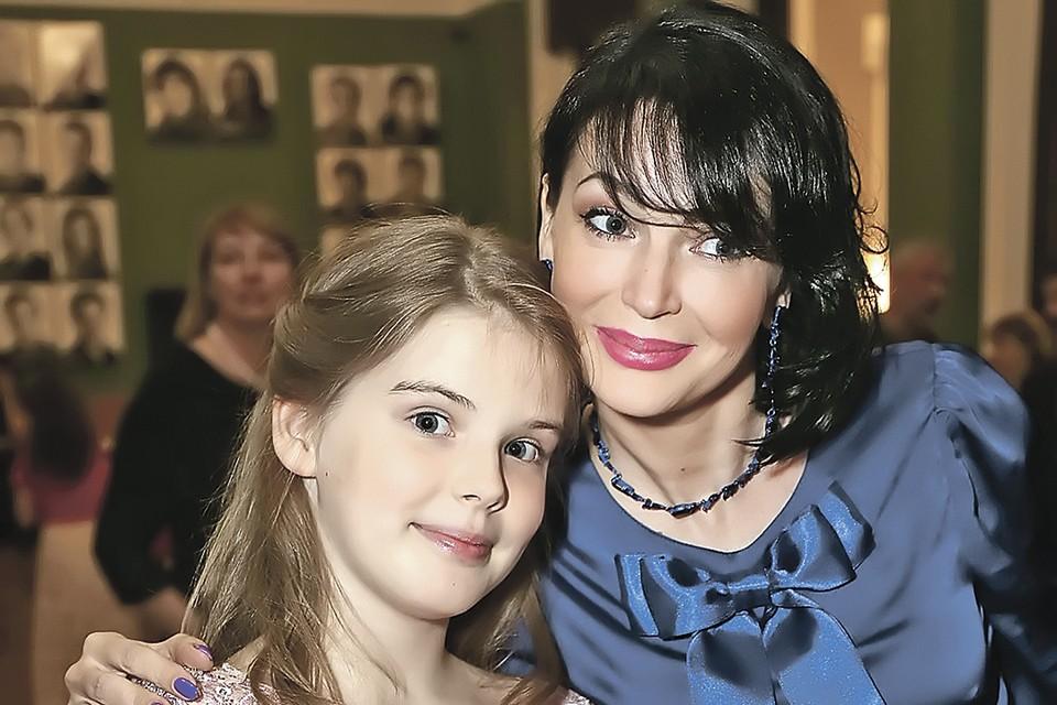 После смерти мужа Юлия посвятила себя воспитанию дочки. Фото: Вадим ТАРАКАНОВ/ТАСС