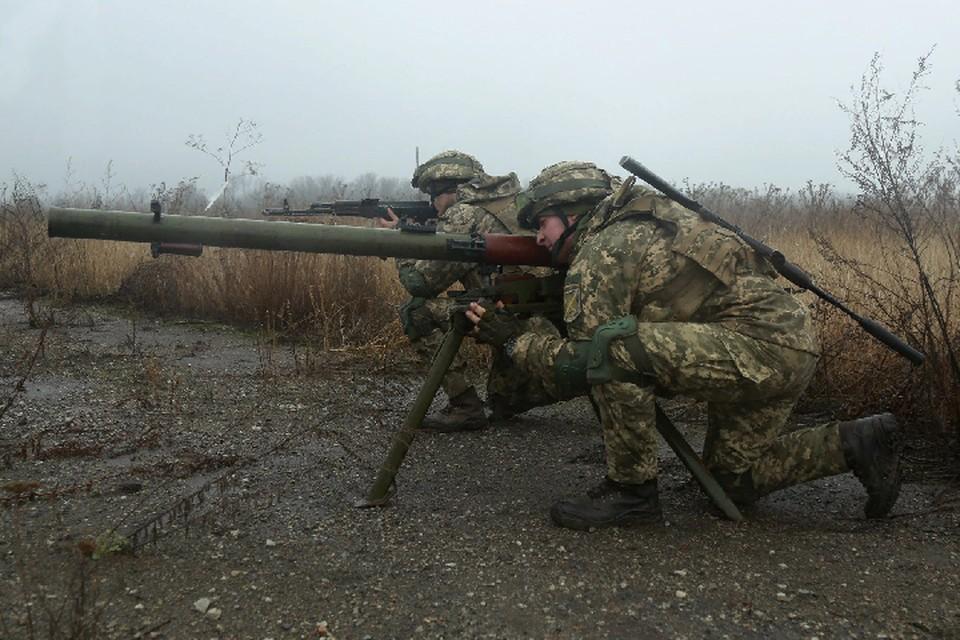 Киевские военные целенаправленно обстреливают жилой массив и социальные объекты Республик Донбасса, пытаясь сорвать перемирие. Фото: штаб «ООС»