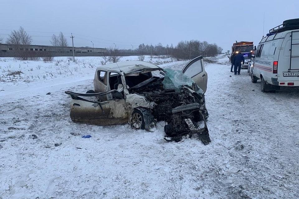 Иномарка влетела в грузовик под Новосибирском: погиб мужчина. Фото: ГИБДД по НСО.