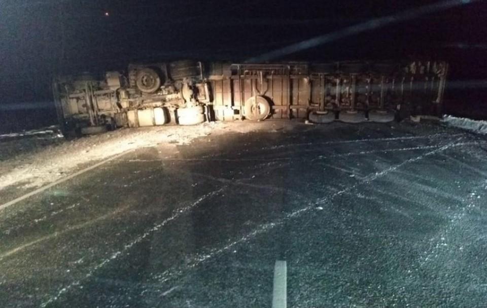 Серьезное ДТП произошло на трассе под Новосибирском. Фото: пресс-служба Госавтоинспекции Новосибирской области