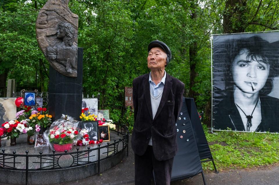 От наследников Виктора Цоя могут потребовать 13 миллионов рублей за права на песни музыканта.