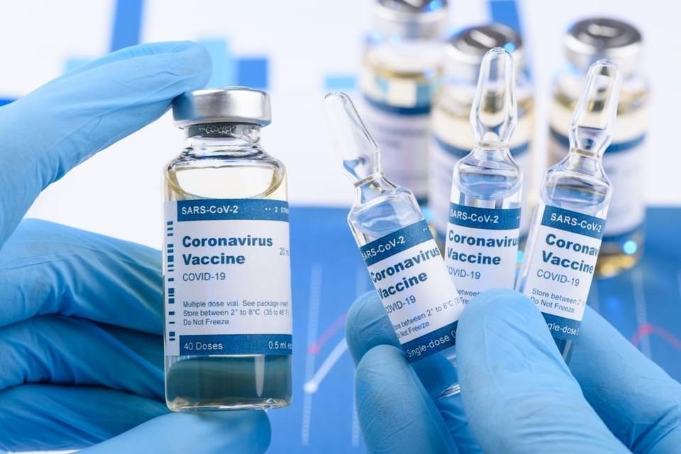 Вакцин в нашей стране катастрофически не хватает (Фото: iStock).