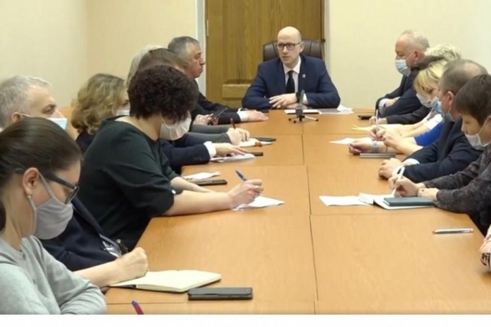 Хабаровчане жалуются не невозможность записаться к врачам через Госуслуги и Голос27