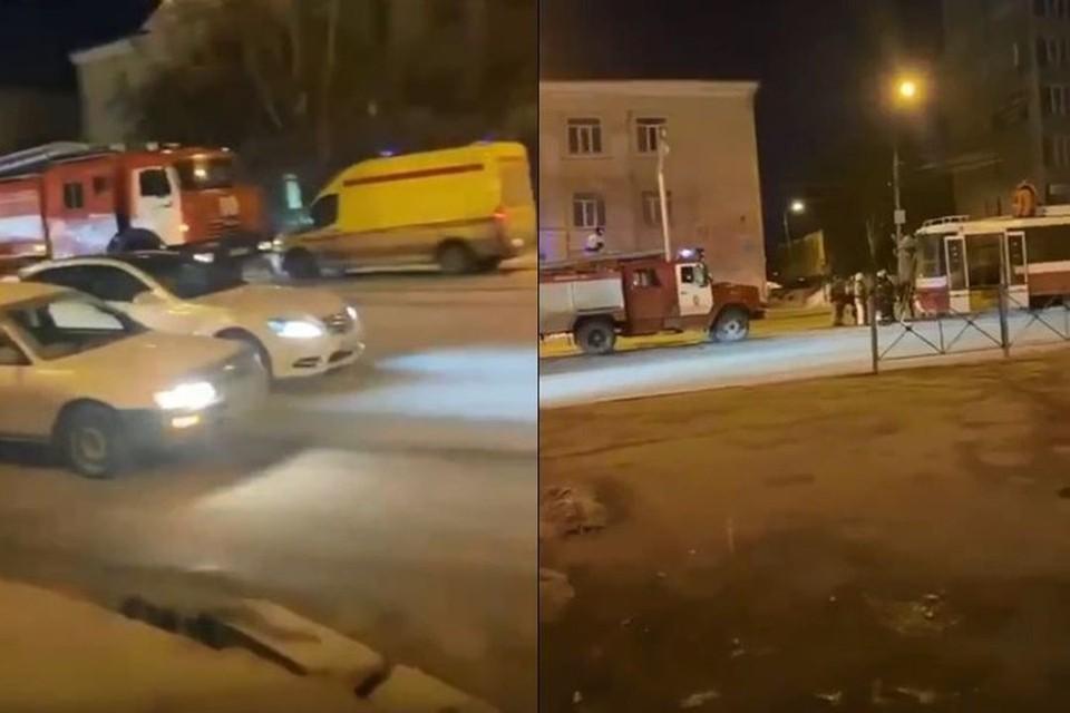 Вечером 1 апреля в Кировском районе Новосибирска загорелся трамвай. Фото: Кадр из видео