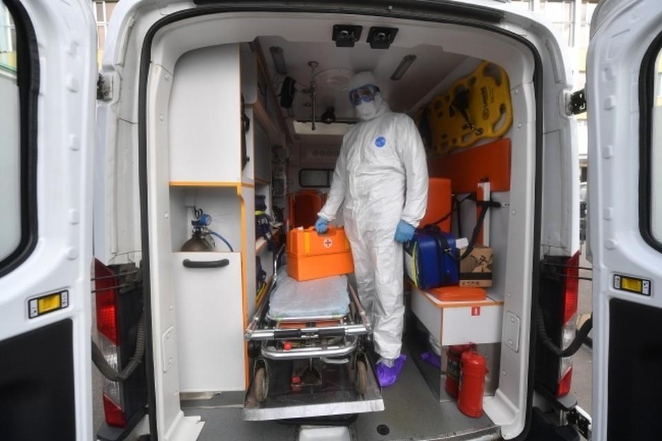 В больницах и стационарах с COVID-19 и пневмониями находится 1215 человек