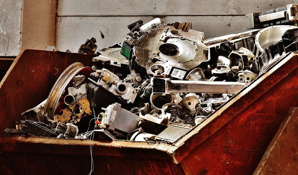 Под запрет вывоза попал не только металлолом, но и трубы, рельсы и элементы железнодорожных составов
