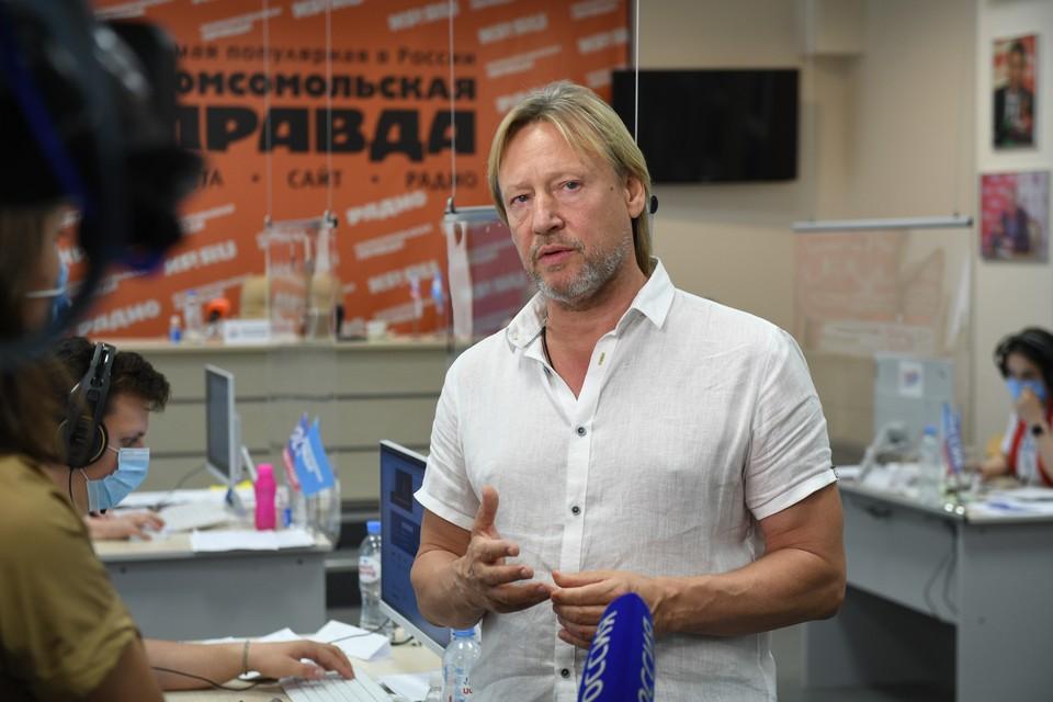 Возможно, в середине апреля в Калининград приедет главный гардемарин страны - Дмитрий харатьян.