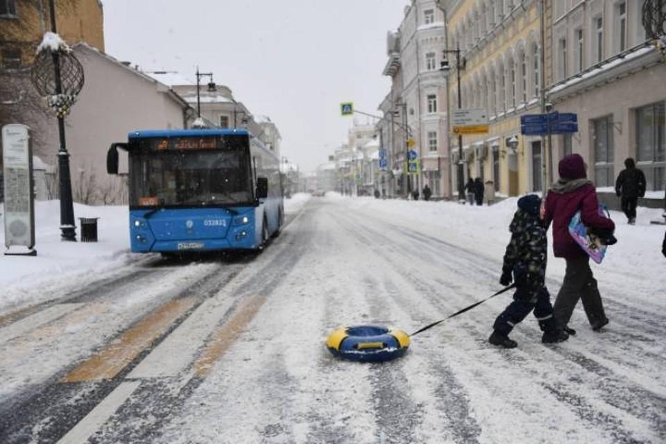 В Омутнинске на смену сгоревшим при пожаре автобусам поступили 4 новых .
