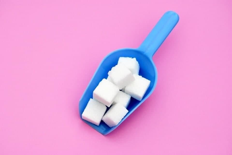 Правительство России выделит девять миллиардов рублей производителям сахара и подсолнечного масла