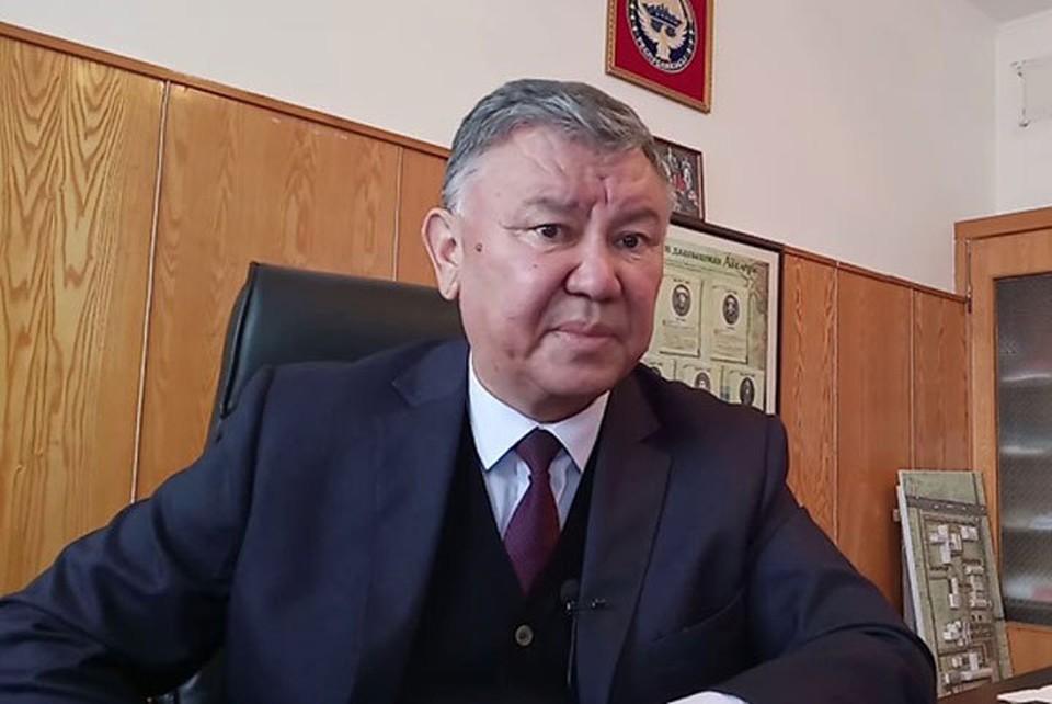 Эрнис Тилеков покинул должность главы онкоцентра.