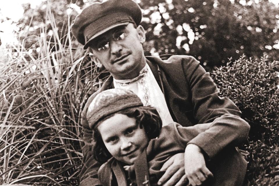 Лаврентий Берия был вхож в семью Сталина, опекал дочь вождя Светлану.