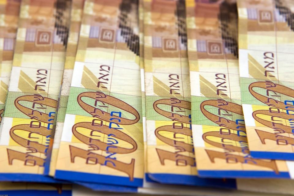 Полицейские приступили к сбору денег и с помощью прохожих в течение часа собрали порядка 100 тысяч шекелей (около 2,3 миллиона рублей).