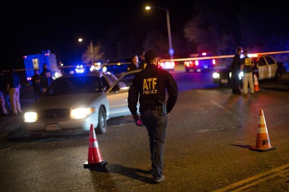 Полиция сообщила, что в результате стрельбы погиб один человек