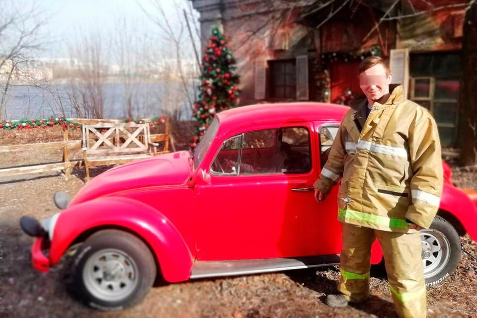 """31-летний пожарный погиб при спасении людей на """"Невской мануфактуре""""."""