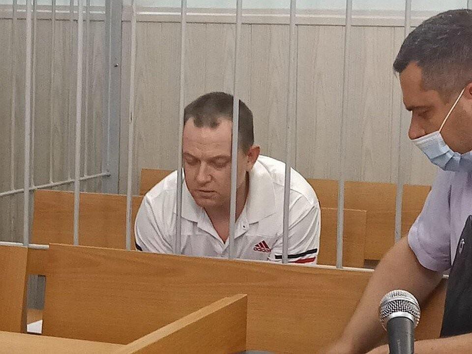На следствии Владимир Чичаев вину признал, а в суде заявил, что дочку просто уронил