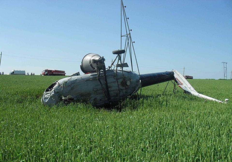 Вертолет Ми-2 совершил аварийную посадку в поле