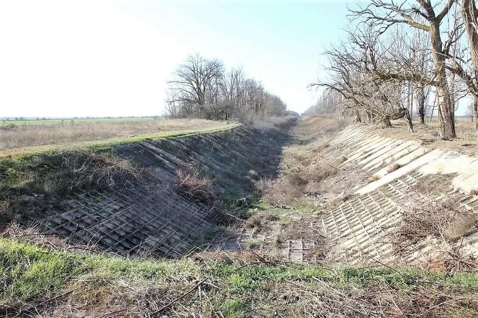 Вода по Северо-Крымскому каналу перестала поступать в 2014 году