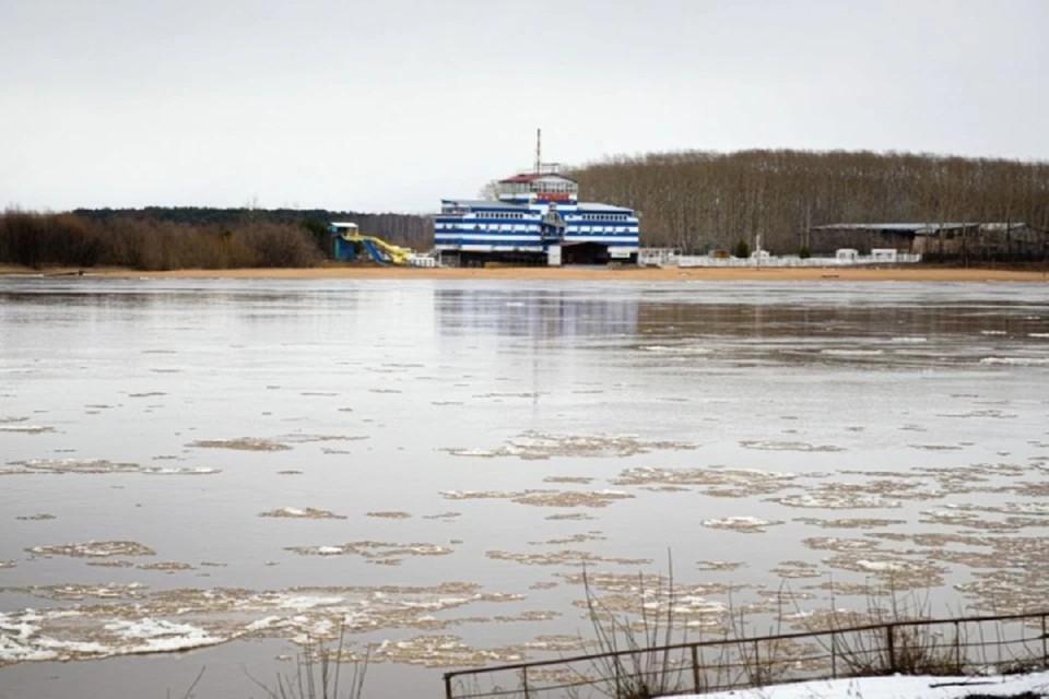 На большинстве рек сейчас идет ледоход. Фото: admkirov.ru