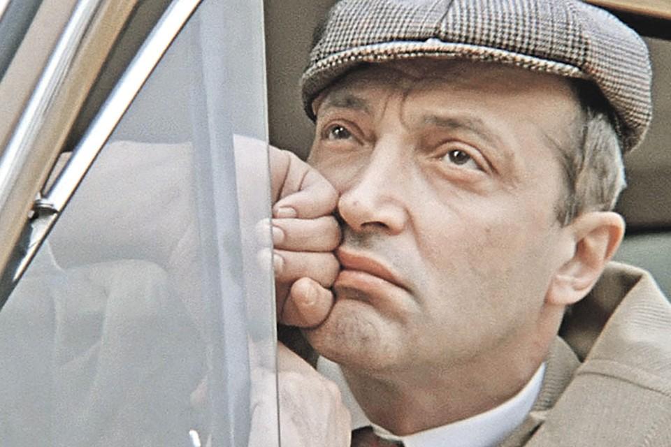 В «Покровских воротах» Михаил Михайлович не только выступил в качестве режиссера, но и сыграл Костика в зрелом возрасте. Фото: Кадр из фильма