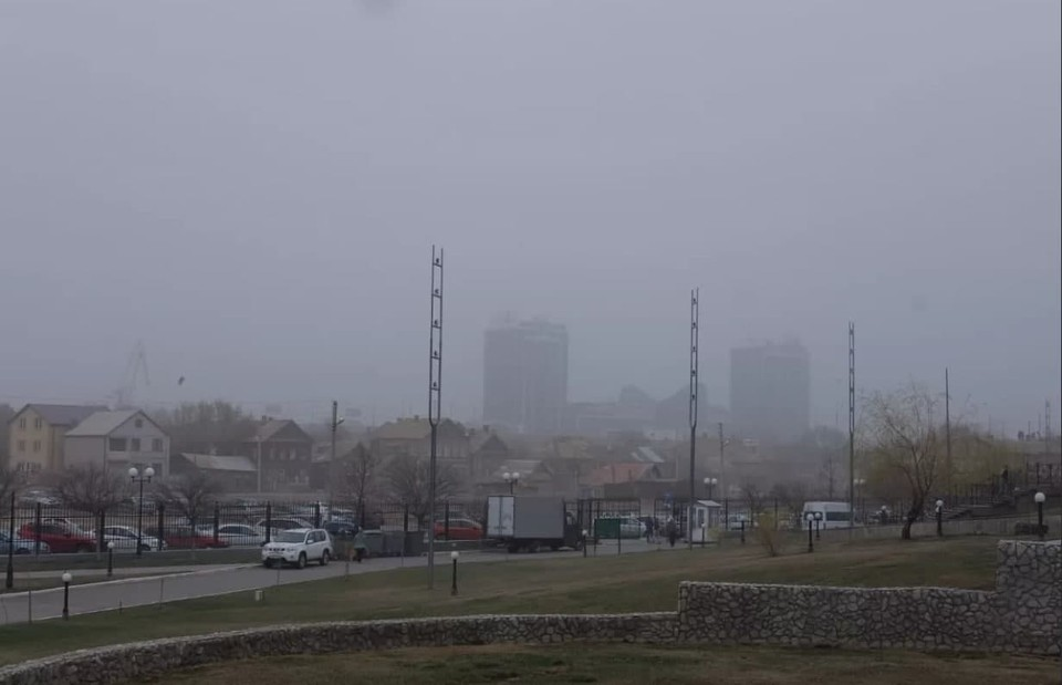 Пыль в регион принёс юго-восточный ветер