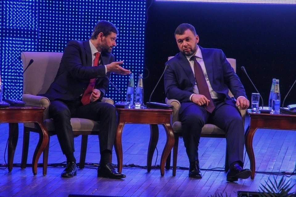 Андрей Козенко (слева) стал одним из инициаторов изменений в законах РФ о гражданстве
