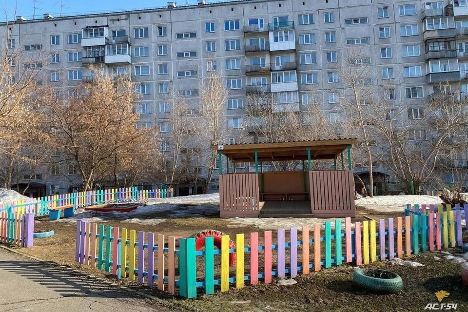 Многие детские садики вчера закрылись раньше времени из-за ложного сообщения.