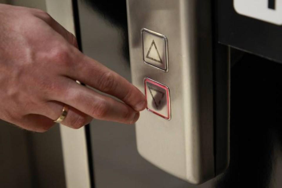 В 2021 году в Кирове должны отремонтировать 246 лифтов в многоквартирных домах.