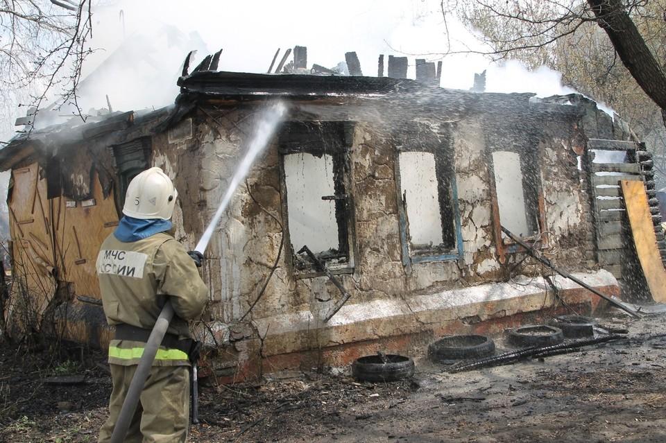 Более десяти раз в ликвидации пожара участвовали добровольцы