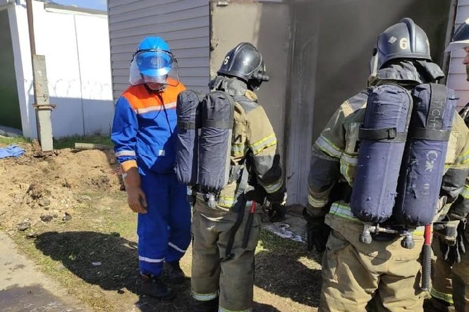 Специалисты продолжают устанавливать причину возгорания.