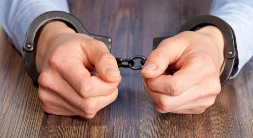 В течении месяца двое мужчин украли около 100 профильных листов забора на 2,6 млн тенге