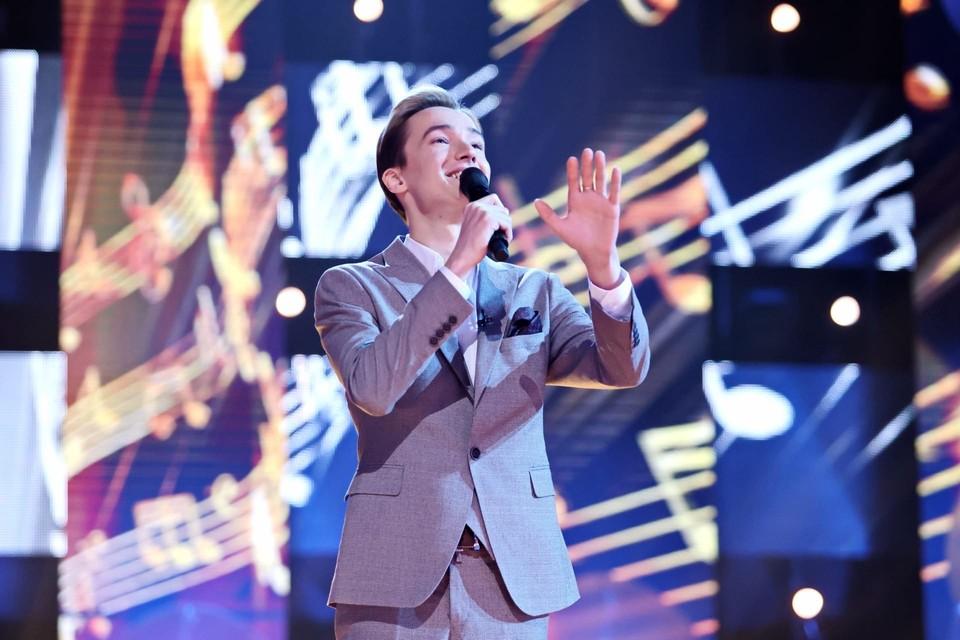 Сергей Павловский закончил томский Губернаторский колледж социально-культурных технологий и инноваций, в 2019 году уехал в Москву и открыл свой вокальный центр.