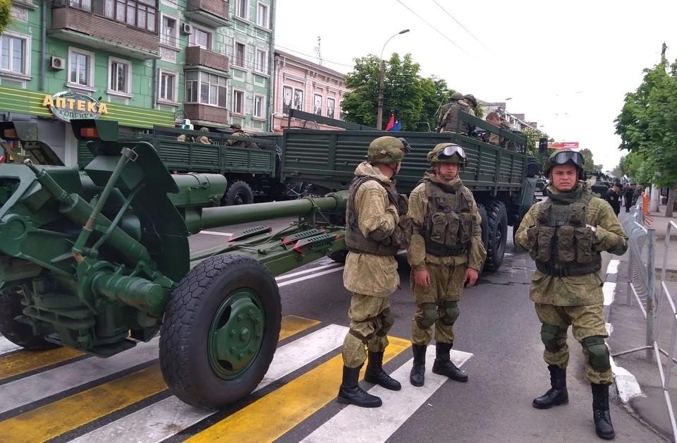 В Симферополе пройдет три репетиции Парада Победы