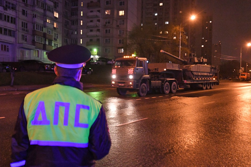 В праздничные дни многие московские улицы будут перекрыты.