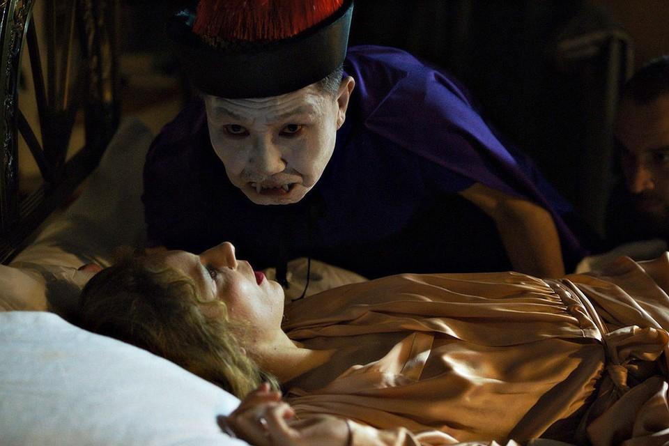 Кадр из фильма «Кровопийцы» Джулиана Радлмайера.