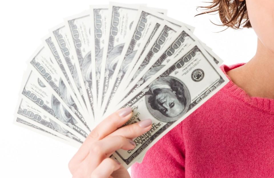 Американская валюта продолжает дешеветь по отношению к тенге