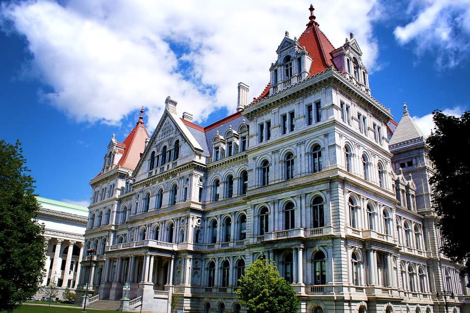 За соответствующую резолюцию проголосовало подавляющее большинство членов Сената штата