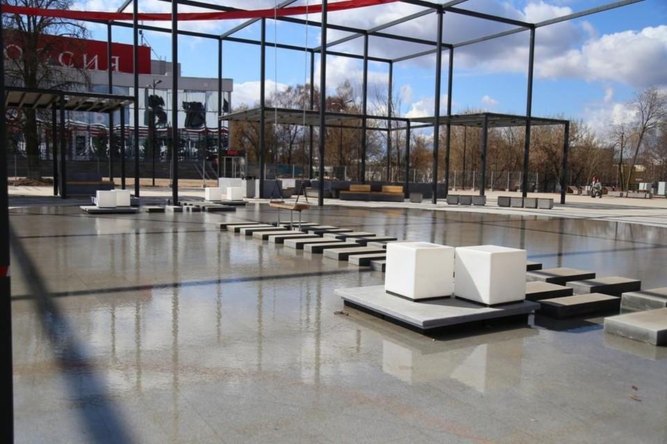 Сухой фонта в нижней части Центральной площади Ижевска начал работать в тестовом режиме