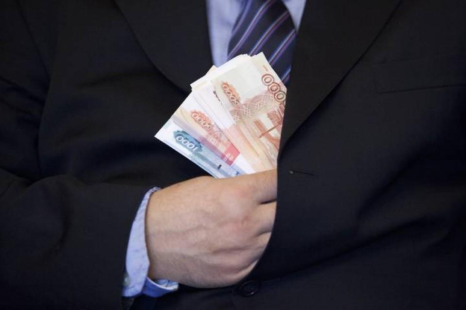 В Орловском районе директор местной АТП целый год не сможет занимать руководящую должность из-за задолженности по зарплате своим сотрудникам.