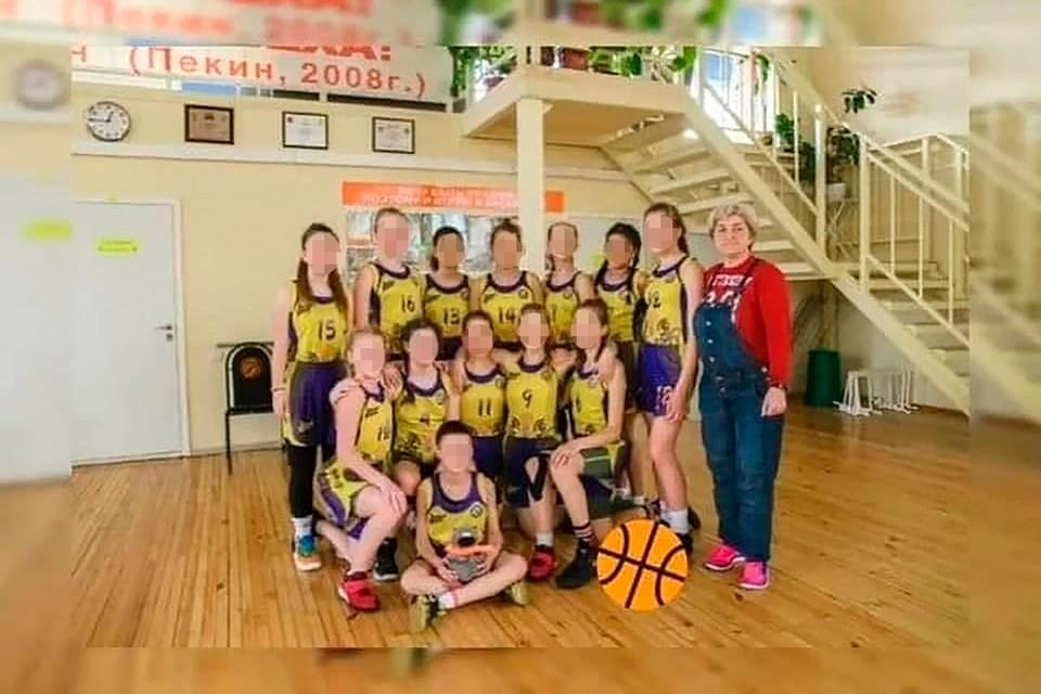 Фото баскетбольной команды девочек из Волгограда, которые разбились в аварии на Ставрополье. Фото: школа олимпийского резерва №2.
