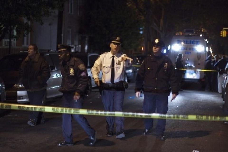 К месту происшествия прибыли десятки автомобилей полиции